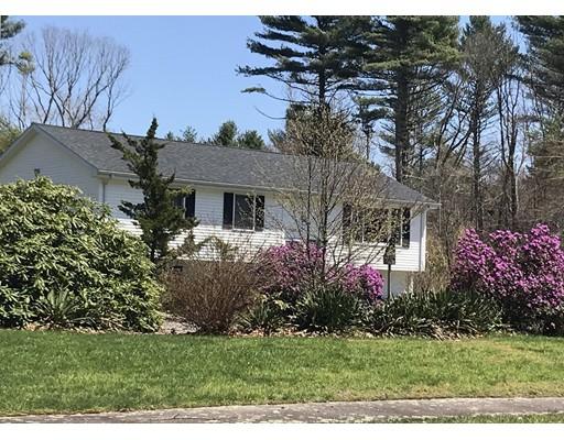 Maison unifamiliale pour l Vente à 7 Mill River Lane 7 Mill River Lane Freetown, Massachusetts 02717 États-Unis