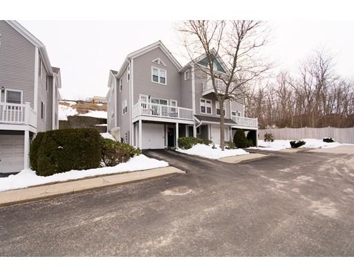 شقة بعمارة للـ Sale في 1810 Highland 1810 Highland Fall River, Massachusetts 02720 United States