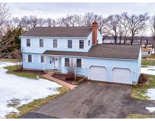 Частный односемейный дом для того Продажа на 14 Ridgeview Drive 14 Ridgeview Drive Ellington, Коннектикут 06029 Соединенные Штаты