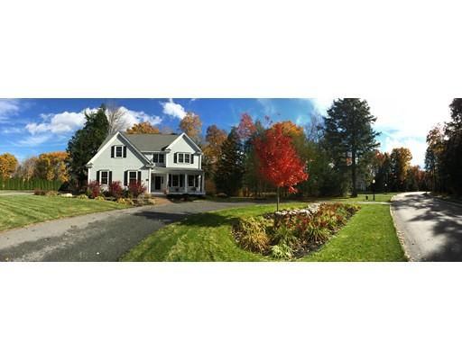 واحد منزل الأسرة للـ Sale في 19 Village Road 19 Village Road Pepperell, Massachusetts 01463 United States