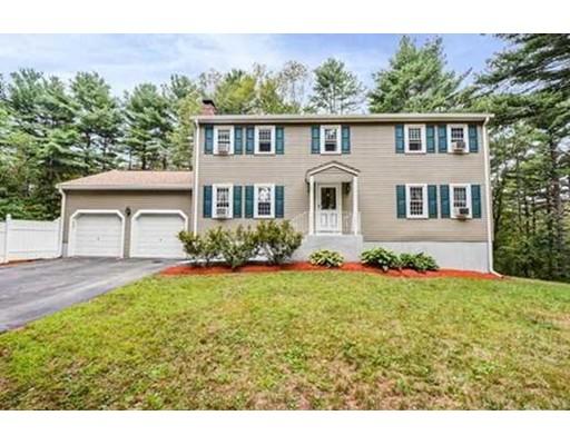 Maison unifamiliale pour l Vente à 23 Bailey Road 23 Bailey Road Berlin, Massachusetts 01503 États-Unis