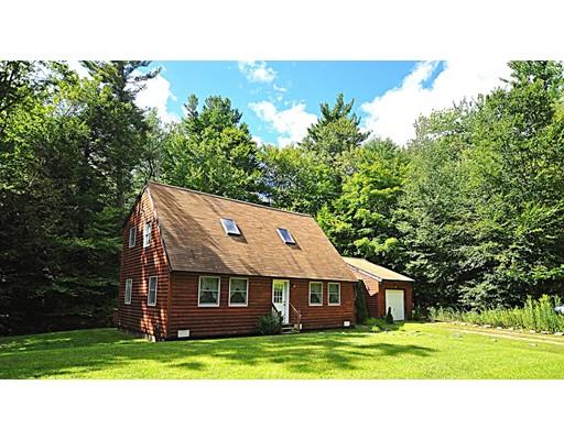 独户住宅 为 销售 在 15 Thicket Road 15 Thicket Road Tolland, 马萨诸塞州 01034 美国