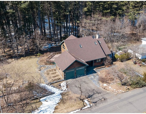 واحد منزل الأسرة للـ Sale في 75 Richard Eger Drive 75 Richard Eger Drive Holyoke, Massachusetts 01040 United States