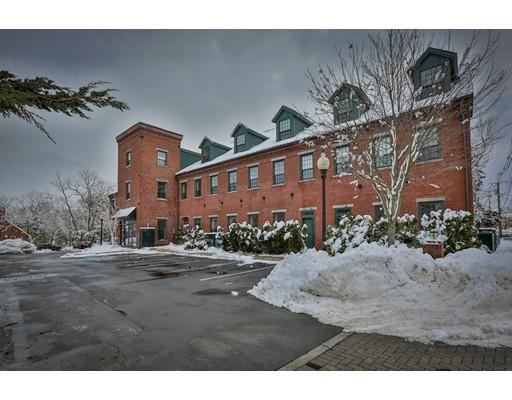 شقة بعمارة للـ Sale في 25 Pond Street 25 Pond Street Amesbury, Massachusetts 01913 United States