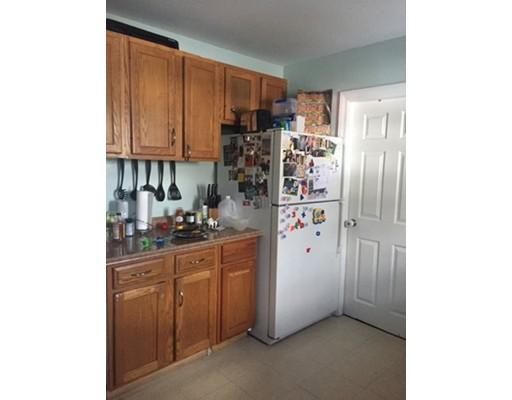 独户住宅 为 销售 在 216 Highland Avenue 216 Highland Avenue 伦道夫, 马萨诸塞州 02368 美国