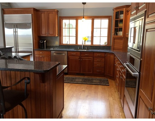 30 Laurel Hill Dr, Leverett, MA, 01054