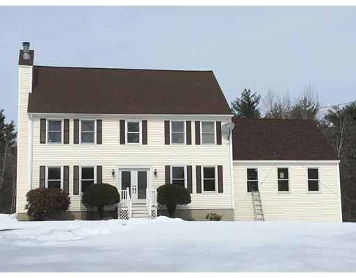 Частный односемейный дом для того Продажа на 32 Robinson Lane 32 Robinson Lane Pelham, Нью-Гэмпшир 03076 Соединенные Штаты