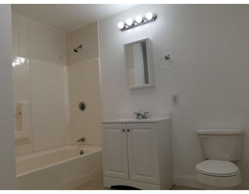 独户住宅 为 出租 在 174 ferry Street 174 ferry Street Everett, 马萨诸塞州 02149 美国