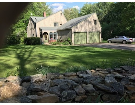 Casa Unifamiliar por un Venta en 22 Bullard Road 22 Bullard Road North Brookfield, Massachusetts 01535 Estados Unidos