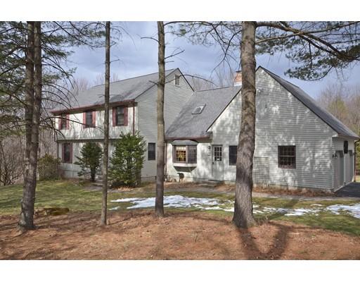 Частный односемейный дом для того Продажа на 16 Old Bay Road 16 Old Bay Road Belchertown, Массачусетс 01007 Соединенные Штаты