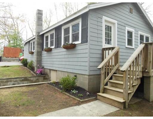 独户住宅 为 销售 在 1 Indian Hill Road 1 Indian Hill Road Sandown, 新罕布什尔州 03873 美国