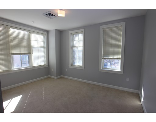 163 Chestnut Hill Ave, Boston, MA 02135