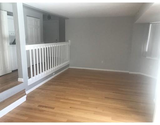 Casa Unifamiliar por un Alquiler en 116 tall oaks Drive 116 tall oaks Drive Weymouth, Massachusetts 02190 Estados Unidos