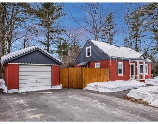 独户住宅 为 销售 在 137 Ferry Street 137 Ferry Street Hudson, 新罕布什尔州 03051 美国
