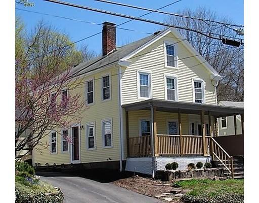 واحد منزل الأسرة للـ Sale في 164 Main Street 164 Main Street Millville, Massachusetts 01529 United States