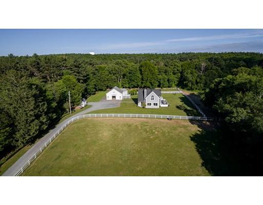 واحد منزل الأسرة للـ Sale في 137 Old Ocean Street 137 Old Ocean Street Marshfield, Massachusetts 02050 United States