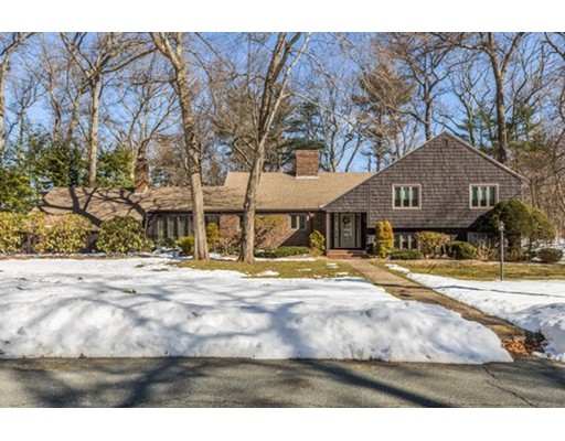 Single Family Home for Sale at 21 Huntingdon Road 21 Huntingdon Road Lynnfield, Massachusetts 01940 United States