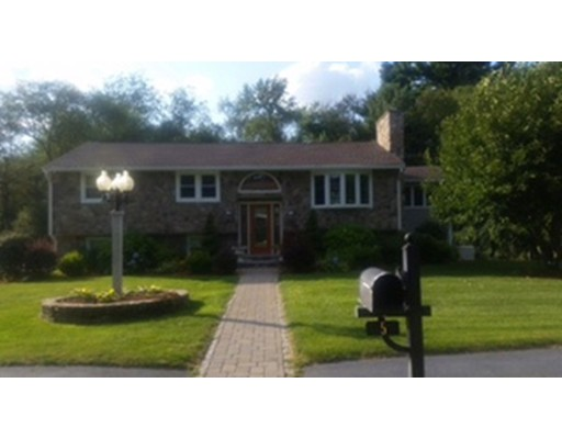 Single Family Home for Rent at 5 Governor Endicitt Road 5 Governor Endicitt Road Billerica, Massachusetts 01821 United States