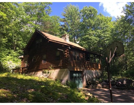 واحد منزل الأسرة للـ Sale في 285 Orange Road 285 Orange Road Warwick, Massachusetts 01378 United States