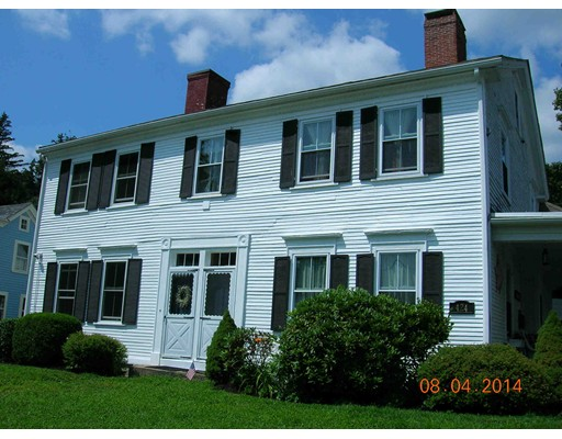 独户住宅 为 出租 在 422 Main Street 422 Main Street Amesbury, 马萨诸塞州 01913 美国