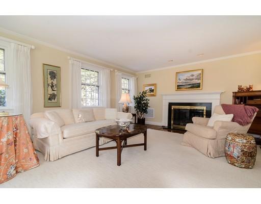 7 Winthrop Rd, Wellesley, MA, 02482