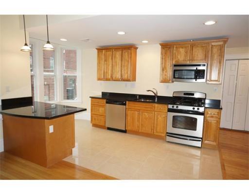 واحد منزل الأسرة للـ Rent في 16 Tudor Street 16 Tudor Street Chelsea, Massachusetts 02150 United States