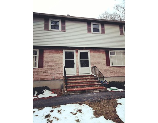 Casa unifamiliar adosada (Townhouse) por un Alquiler en 127 Ellsworth St #2 127 Ellsworth St #2 Brockton, Massachusetts 02301 Estados Unidos