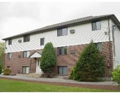 Casa Unifamiliar por un Alquiler en 10 Basswood Avenue 10 Basswood Avenue North Attleboro, Massachusetts 02760 Estados Unidos