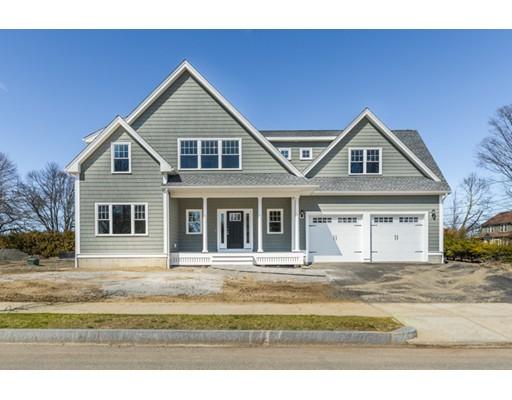 واحد منزل الأسرة للـ Sale في 1 Coventry Lane 1 Coventry Lane Stoneham, Massachusetts 02180 United States