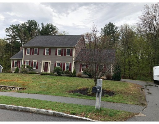 Casa Unifamiliar por un Venta en 3 Pineau Avenue 3 Pineau Avenue Groveland, Massachusetts 01834 Estados Unidos