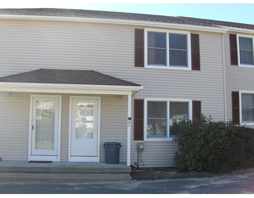 独户住宅 为 出租 在 59 Trudeau Drive 59 Trudeau Drive Warren, 马萨诸塞州 01083 美国