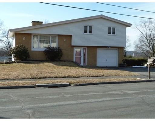 Single Family Home for Sale at 17 Roman Drive 17 Roman Drive Shrewsbury, Massachusetts 01545 United States