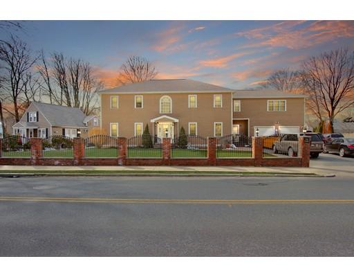واحد منزل الأسرة للـ Sale في 70 Summer Street 70 Summer Street Stoneham, Massachusetts 02180 United States