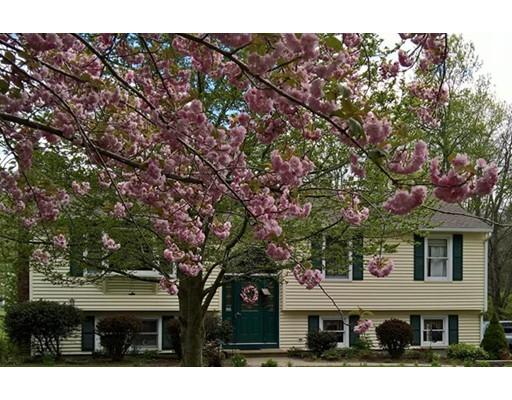 独户住宅 为 销售 在 129 Old Worcester Road 129 Old Worcester Road Charlton, 马萨诸塞州 01507 美国