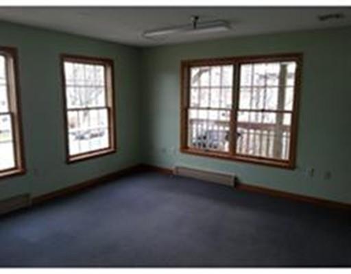 Commercial للـ Rent في 36 N Bedfortd Street 36 N Bedfortd Street East Bridgewater, Massachusetts 02333 United States