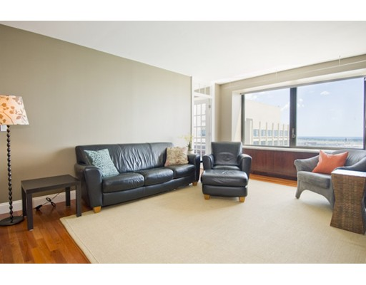 65 East India Row, PHD - Waterfront, MA