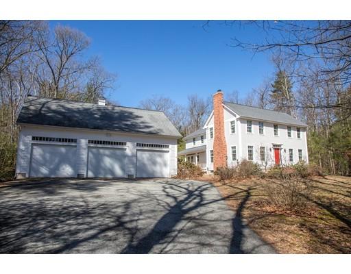 Частный односемейный дом для того Продажа на 330 Springfield Road 330 Springfield Road Belchertown, Массачусетс 01007 Соединенные Штаты