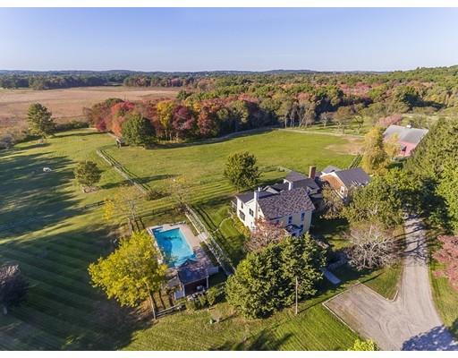 Частный односемейный дом для того Продажа на 236 Sagamore Street 236 Sagamore Street Hamilton, Массачусетс 01982 Соединенные Штаты
