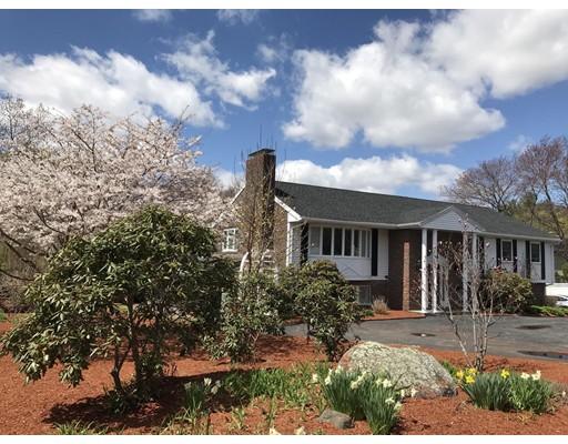 Casa Unifamiliar por un Venta en 5 Duck Road 5 Duck Road Reading, Massachusetts 01867 Estados Unidos