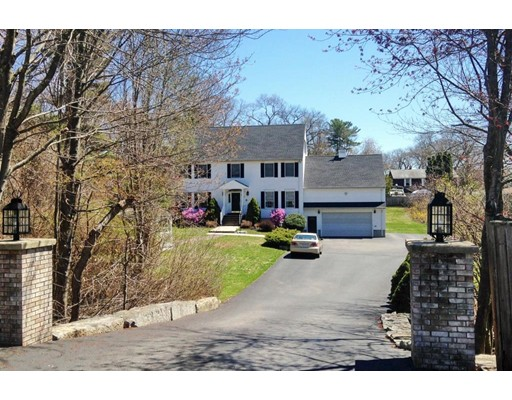 Maison unifamiliale pour l Vente à 20 Oak Point Road Ext. 20 Oak Point Road Ext. Saugus, Massachusetts 01906 États-Unis