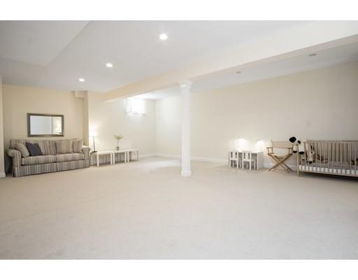 45 Hunnewell St, Wellesley, MA, 02481