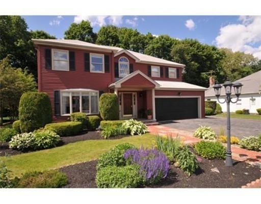 Частный односемейный дом для того Продажа на 21 BANFORD WAY 21 BANFORD WAY Waltham, Массачусетс 02453 Соединенные Штаты