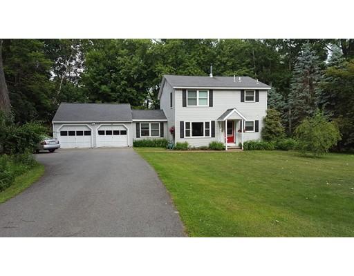 Maison unifamiliale pour l Vente à 4 Mountain Avenue 4 Mountain Avenue Ayer, Massachusetts 01432 États-Unis
