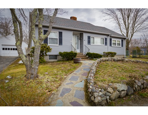 Casa Unifamiliar por un Venta en 9 Laurel Park 9 Laurel Park Holbrook, Massachusetts 02343 Estados Unidos