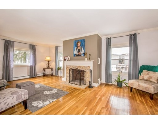 Casa Unifamiliar por un Venta en 185 Belcher Street 185 Belcher Street Holbrook, Massachusetts 02343 Estados Unidos