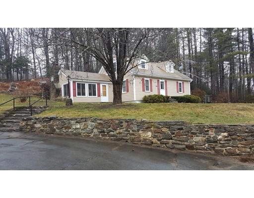 واحد منزل الأسرة للـ Sale في 1055 Orange Road 1055 Orange Road Warwick, Massachusetts 01378 United States