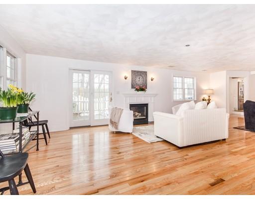 独户住宅 为 销售 在 125 Loring Road 125 Loring Road 温思罗普, 马萨诸塞州 02152 美国