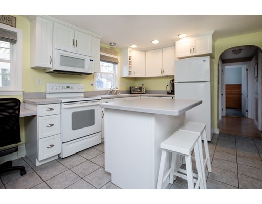 44 Roosevelt Ave, North Attleboro, MA, 02760