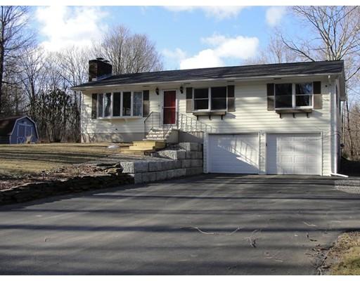 واحد منزل الأسرة للـ Sale في 41 Allen Coit Road 41 Allen Coit Road Huntington, Massachusetts 01050 United States