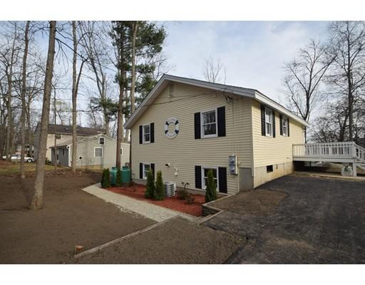 独户住宅 为 销售 在 8 Shady Lane 8 Shady Lane Sandown, 新罕布什尔州 03873 美国